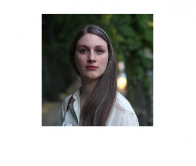 http://jannaklaevers.com/files/gimgs/9_portrait.jpg